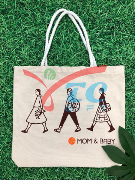 TÚI CANVAS MÀU TRẮNG KEM MOM & BABY